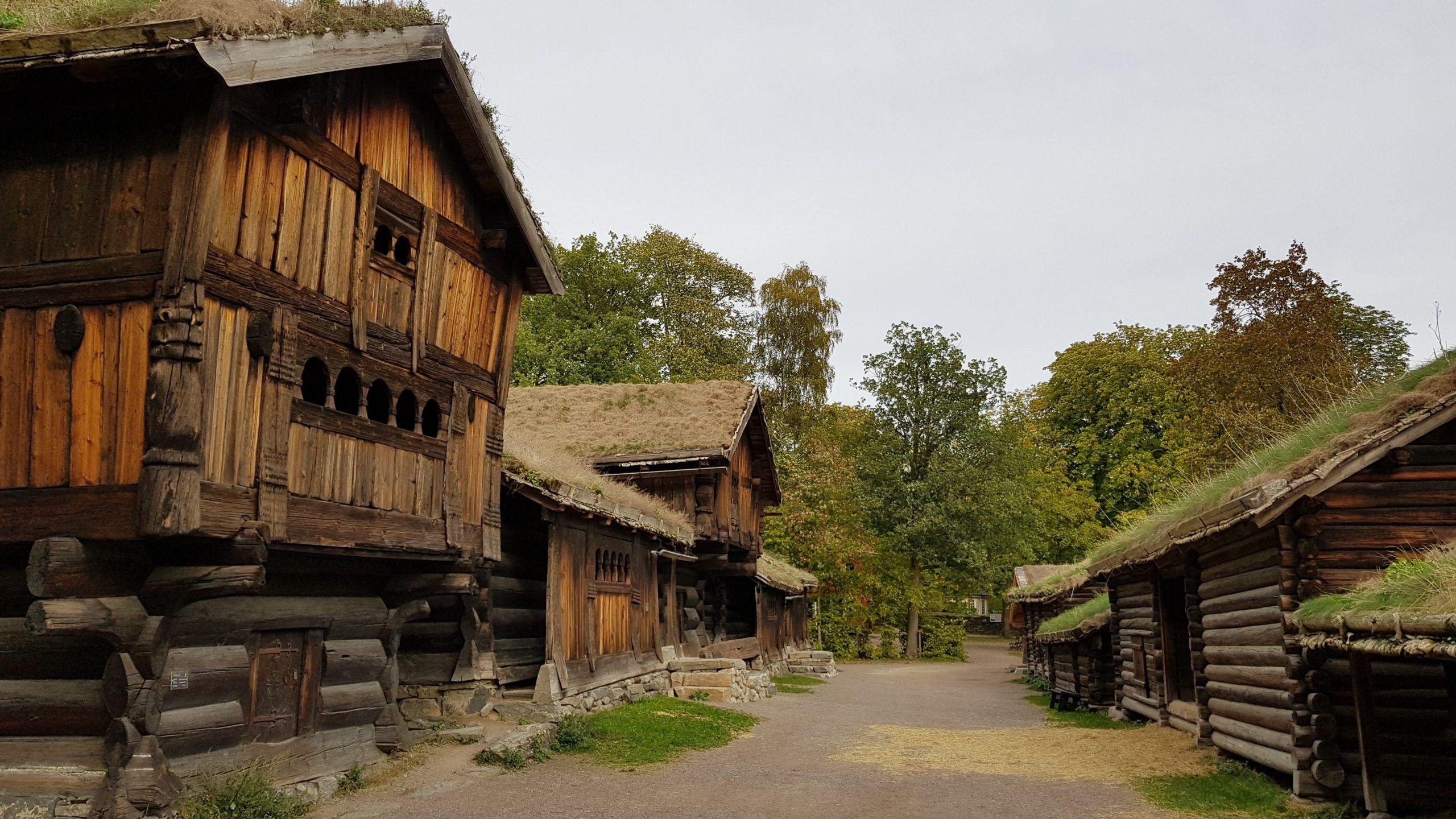 Casas Vikingas en el museo del pueblo Noruego Oslo