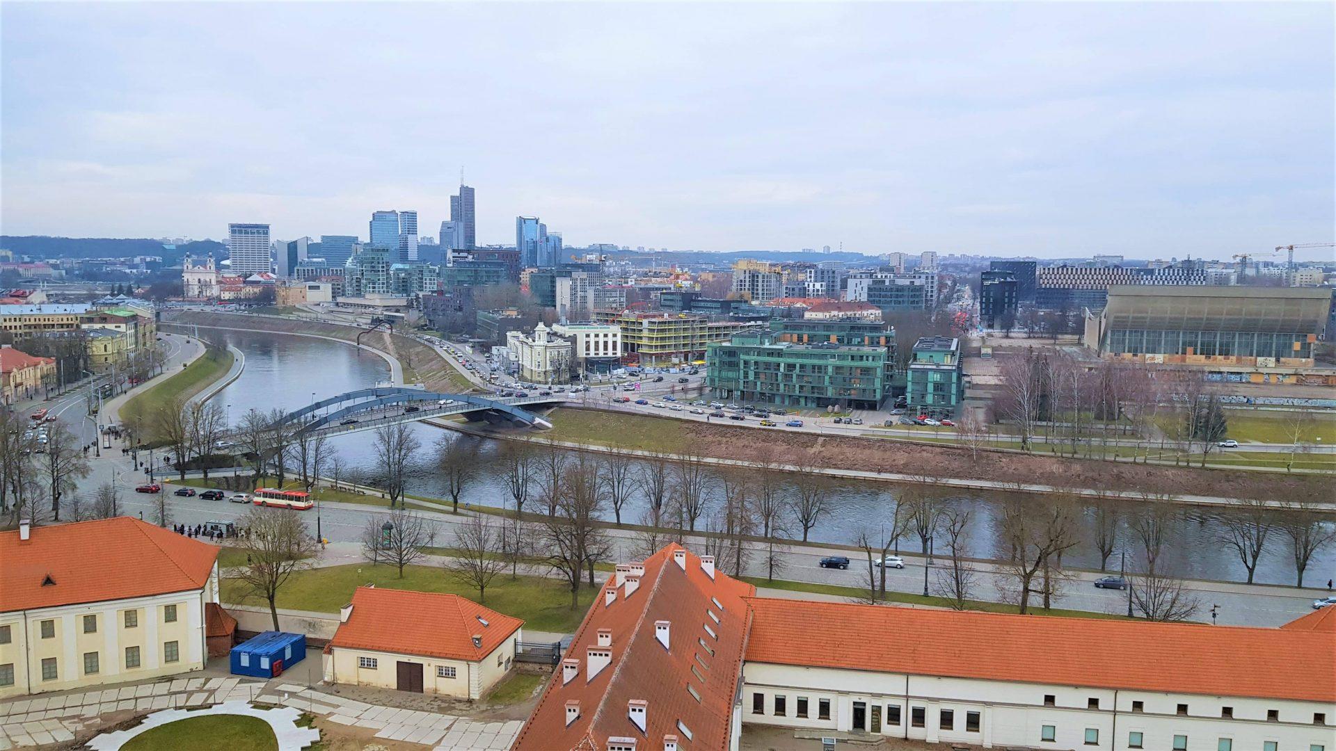 Vistas de Vilna nueva desde la torre de Gediminas