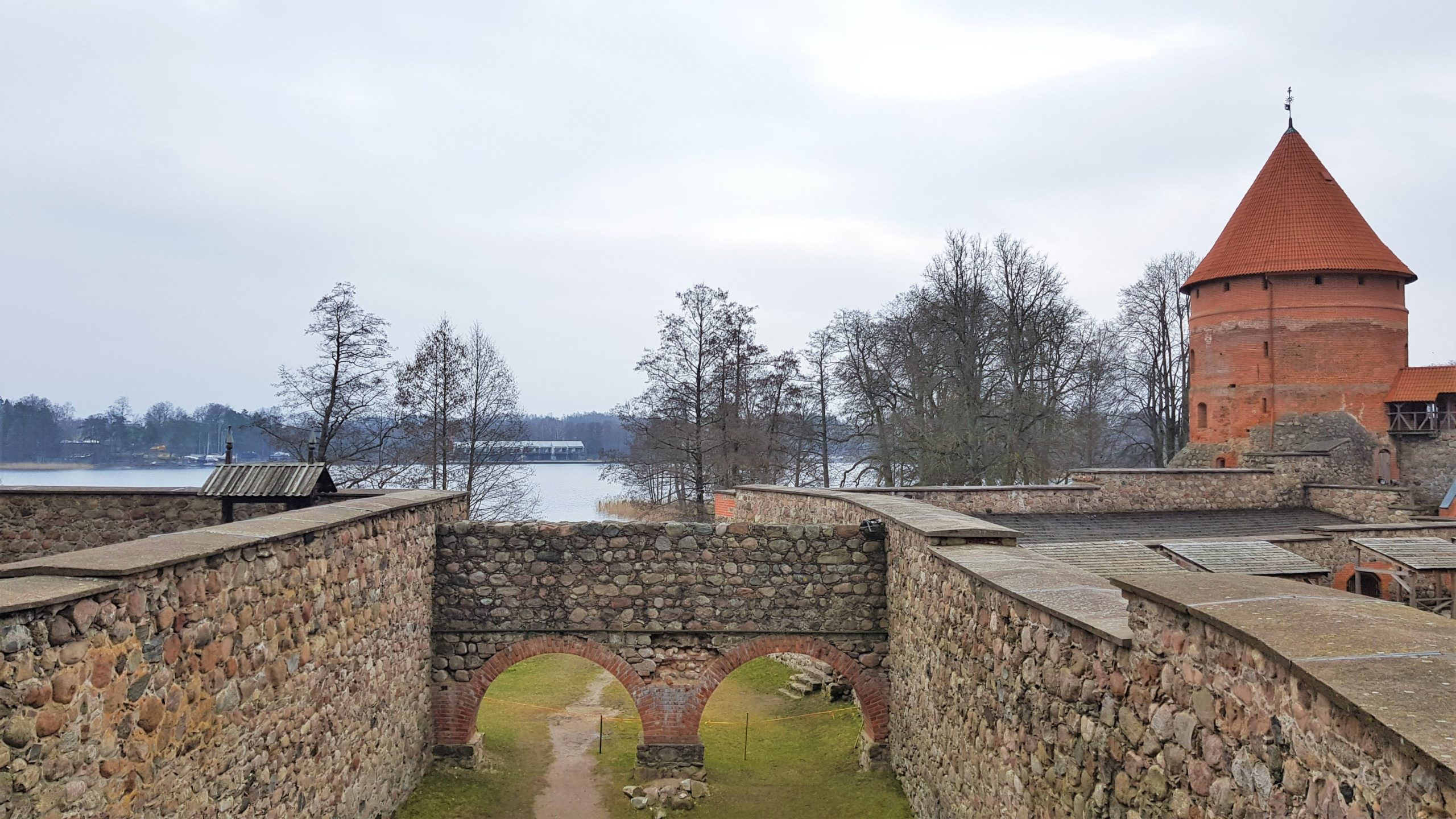 Antigua separación islas castillo de trakai
