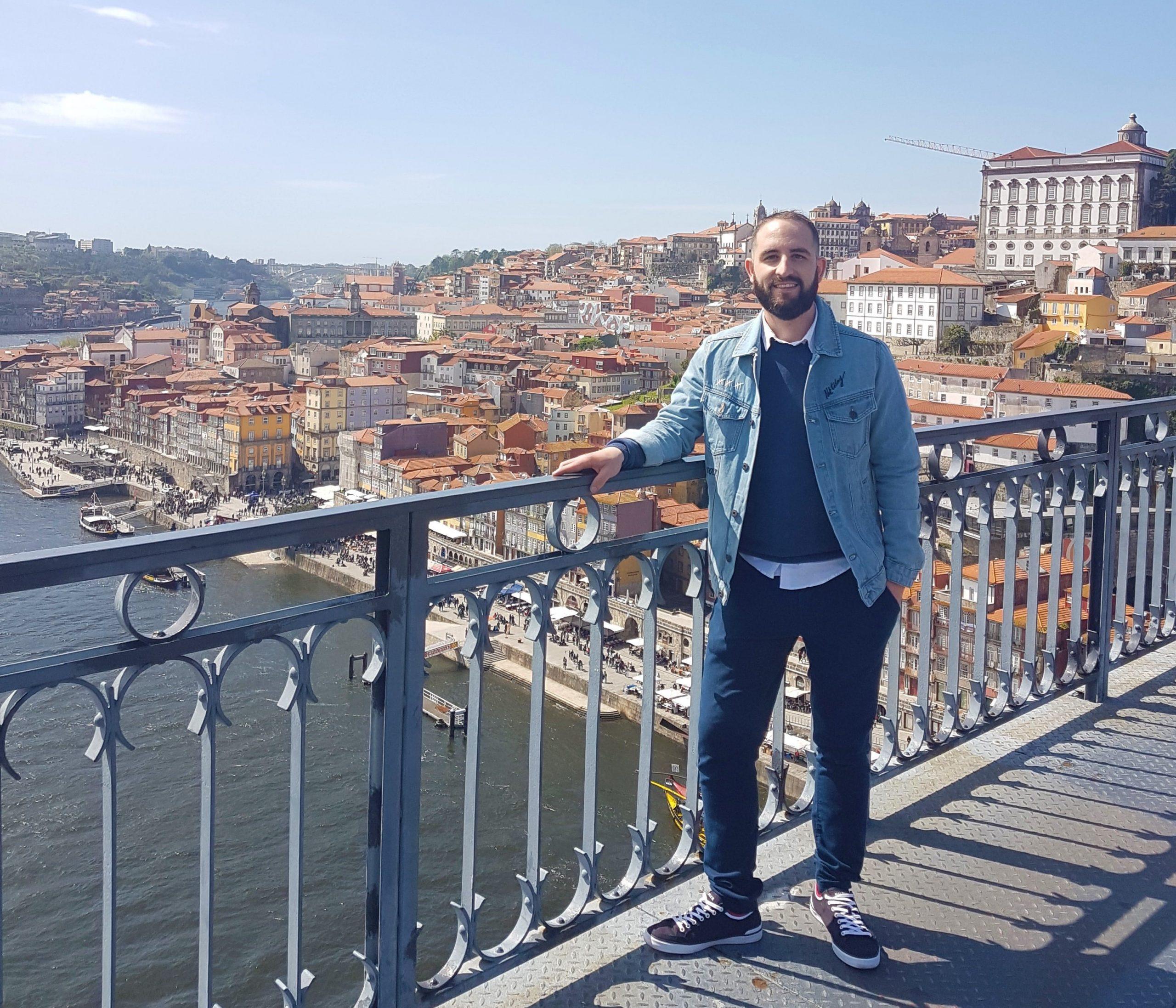 Isgoga y las vistas de oporto desde el puente de Don Luis I