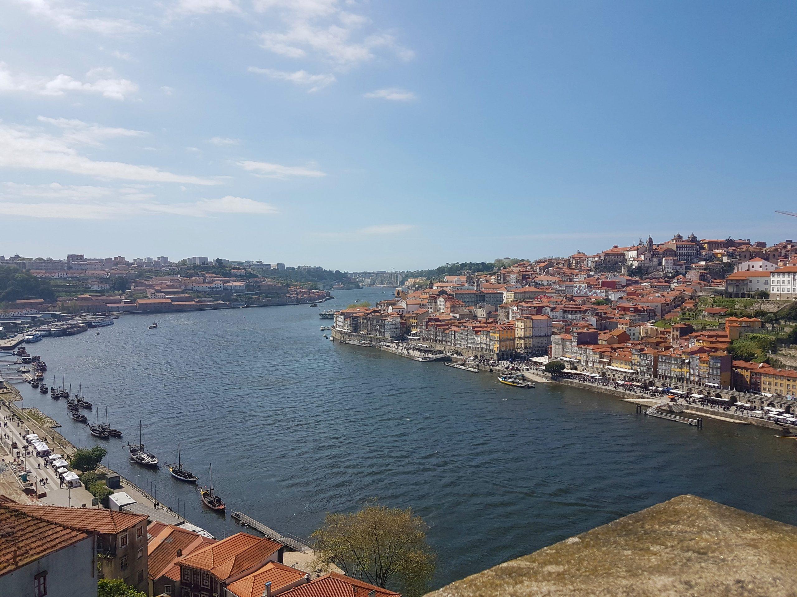 Vistas de Oporto y del rio Duero desde el puente de Don Luis I