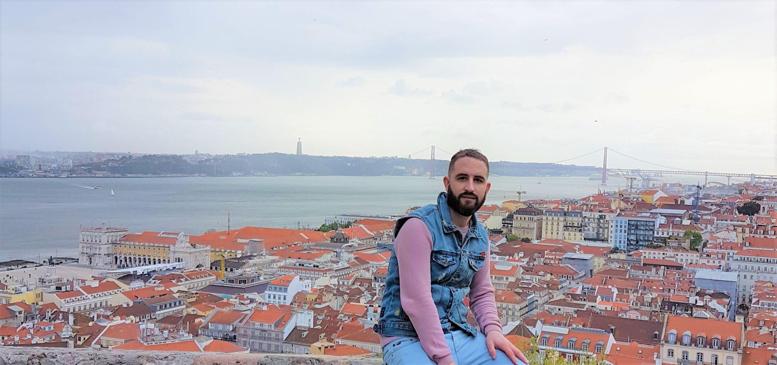 Isgoga con vistas de Lisboa y el rio Tajo desde el castillo de San Jorge