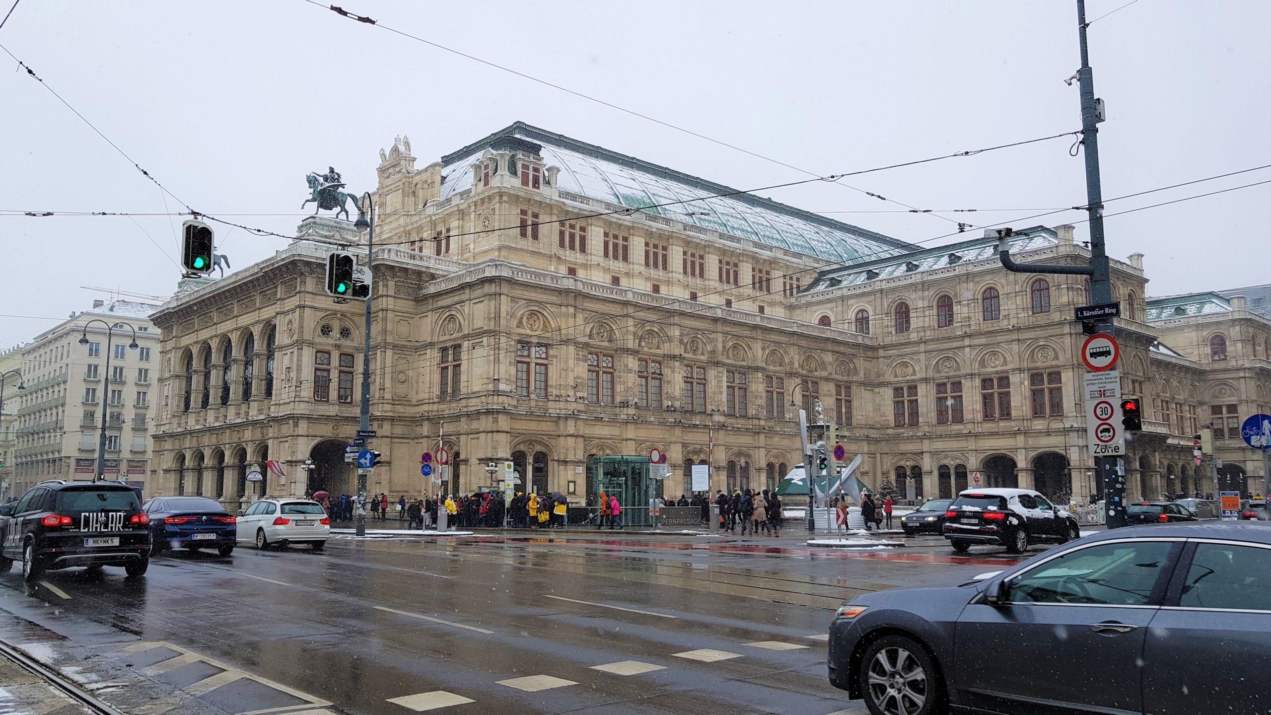 Ópera de Viena nevada