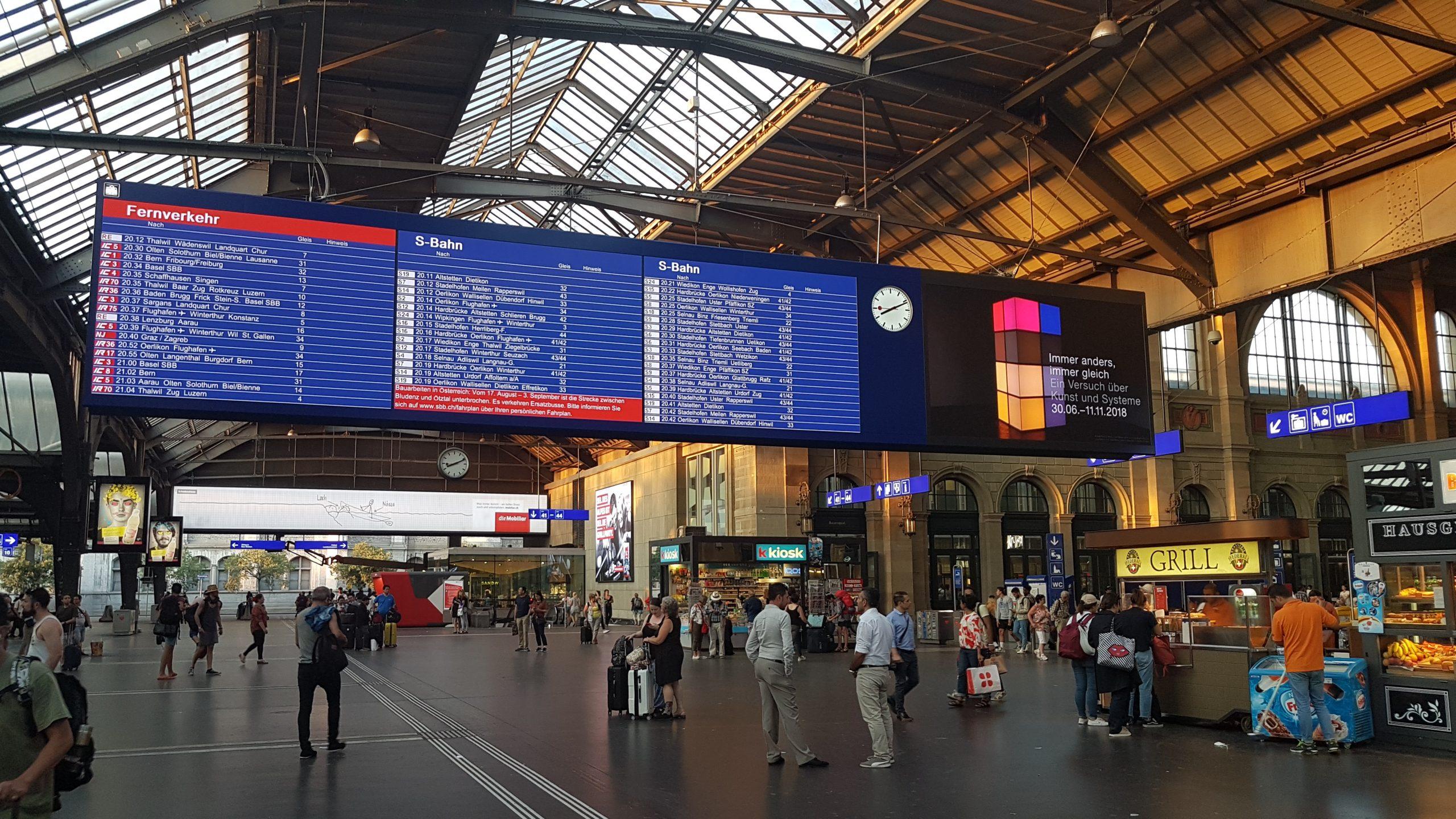 Interior de la estación de Zurich